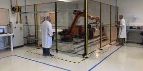 Mecano ID s'est équipé d'un robot de drapage pour automatiser la fabrication de pièces composites.
