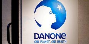 Déjà très bien classé en 2018, Danone grignote deux places et devient numéro un français, juste derrière le leader mondial Unilever. C'est notamment grâce à ses actions tout au long de sa chaîne d'approvisionnement en matière de pratiques agricoles et de gestion de l'eau, à l'économie circulaire appliquée à ses emballages ou encore à la neutralité carbone de sa marque Evian.