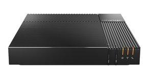 La nouvelle box voit son débit maximal porté à 2 Gigabits par seconde pour suivre l'augmentation de la capacité du réseau - notamment avec le déploiement de la fibre - et du nombre de terminaux connectés simultanément dans les foyers.