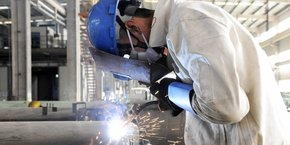 Illustration. Les ouvriers sont plus gênés par les bruits de matériels (33%)