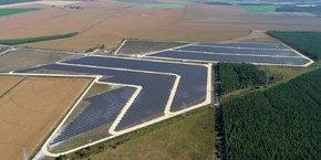 Les 40.000 panneaux photovoltaïques de la centrale de Merle-Sud s'étendent sur 22 hectares à Saint-Magne, en Sud-Gironde.