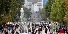 Le trafic aérien des aéroports parisiens a toutefois progressé de 2,5% à 108 millions de passagers.