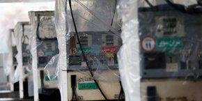 Pompes à essence détruites le 20 novembre après les manifestations de colère provoquée par la hausse de prix du carburant, qui se sont transformées en contestation générale du régime dans un contexte de crise économique et d'inégalités croissantes.