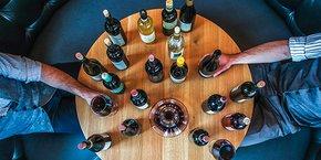 Parmi les activités proposées sur la maketplace Leonaa.fr, on trouve par exemple des ateliers de dégustation avec un vigneron ou un oenologue.