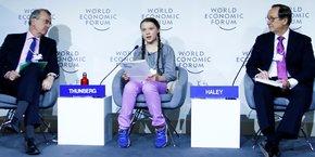 L'an dernier, Greta Thunberg, militante écologiste suédoise de 16 ans, participait déjà au Forum économique mondial (WEF) à Davos, en Suisse (ici lors d'une table ronde entre François Villeroy de Galhau gouverneur de la banque centrale française, à gauche, et Willis Towers Watson, PDG de John J.Haley).