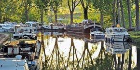 Le canal du Midi, haut lieu touristique de la région Occitanie et site très plébiscité de des touristes anglo-saxons, a vu sa clientèle étrangère chuter de manière importante au cours de cet été 2020.