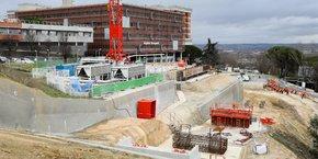Le chantier du téléphérique toulousain Téléo a repris progressivement ces dernières semaines, à l'image de la profession.
