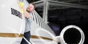 Le Global 7500 peut transporter jusqu'à 19 passagers et 4 membres d'équipage, à une vitesse de croisière de 955 km/h, et voler sans escale sur une distance de 13.705 km.