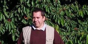 David Seve, arboriculteur et président de la FDSEA du Gard, se réjouit de la solidarité nationale qui se manifeste pour venir en aide aux agriculteurs en mal de main d'oeuvre.