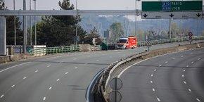 Un confinement suivi a vidé la rocade bordelaise de la plupart de ses véhicules.