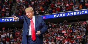 Le président républicain, qui mise sur la reprise de l'économie pour être réélu en novembre, a déclaré ce jeudi 2 juillet : Les annonces d'aujourd'hui prouvent que notre économie est en train de se remettre à vrombir. [Photo: Donald Trump, le 20 juin dernier, lors de son premier rassemblement de campagne électorale après plusieurs mois de pandémie de coronavirus, à Tulsa, Oklahoma.]