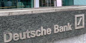 Plusieurs banques soupçonnées d'être liées à cette affaire ont déjà été perquisitionnées, notamment Deutsche Bank et Commerzbank et la filiale bancaire de Clearstream, dans la banlieue de Francfort.