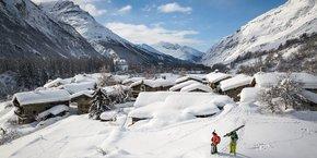 Skieurs à Bessans