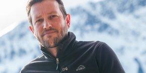 Selon Alexandre Maulin, les stations de ski auraient déjà enregistré près de 1,6 milliards d'euros de pertes mais réouvrir début janvier représenterait déjà un signe d'ouverture. Il faut désormais redonner de l'espoir aux gens et générer à nouveau des réservations, estime le président de DSF.