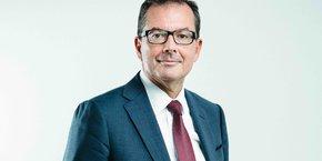 Le directeur général des Hospices civils de Lyon, Raymond Le Moign, ainsi que l'ensemble des membres du directoire des HCL, se sont fait vacciner cette semaine sous l'oeil des caméras pour envoyer un message fort.