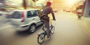 voiture, vélo, ville, encombrement, pollution