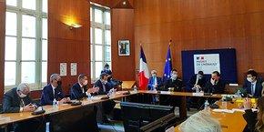 Le ministre Olivier Dussopt a rencontré les acteurs économiques de l'Hérault en préfecture à Montpellier, le 15 janvier 2021.