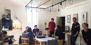 Le tiers-lieu La Pompe a été créé début 2020 à Florac (Lozère) et accueille des professionnels de la création : designer, sérigraphiste, architecte d'intérieur, web designer, etc.
