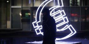Zone euro: l'inflation confirmee a 0,9% sur un an en janvier