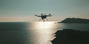 C'est grâce à son modèle de drone filaire, permettant de surveiller un rayon allant jusqu'à 10 kilomètres à la ronde, que le lyonnais Elistair a séduit de nouveaux investisseurs, menés par le fonds de capital investissement parisien Omnes Capital.