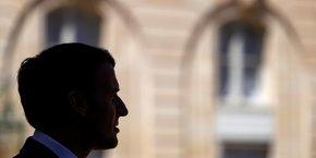 Emmanuel Macron, mais aussi son ancien Premier ministre Edouard Philippe, auraient été visés par le logiciel espion Pegasus en 2019 en vue d'une éventuelle mise sous surveillance de leurs téléphones.