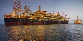 Les réserves prouvées et probables de Pazflor, un des plus grands projets pétroliers jamais réalisés en eaux profondes. sont estimées à 590 millions de barils.