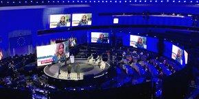 Déserté par les députés européens, l'hémicycle de Strasbourg a été transformé en studio de télévision pour le lancement de la Conférence sur l'avenir de l'UE.