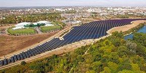 A Toulouse, Urbasolar a installé a installé la plus grande centrale solaire de France en milieu urbain sur l'ancienne friche industrielle du site AZF, d'une puissance de 15 MWc et produisant chaque année 19.350 MWh, soit la consommation annuelle de 4.100 foyers.