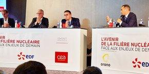 Les patrons de la filière nucléaire Philippe Knoche (Orano), Jean-Bernard Levy (EDF) et François Jacq (CEA) (de gauche à droite) ont répondu favorablement à l'invitation au débat d'Anthony Cellier, député LREM de la 3e circonscription du Gard et président du Conseil supérieur de l'énergie, le 8 octobre 2021.