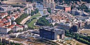 Comment échapper au phénomène de métropolisation autour de la ville centre de Montpellier (photo) et favoriser le rééquilibrage des territoires avec les villes moyennes de la région ? C'est l'enjeu posé par les professionnels de l'acte de bâtir aux élus lors d'un colloque le 12 octobre 2021.