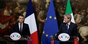 Conférence de presse tenue en janvier 2018 au Palais Chigi à Rome par le Premier ministre italien d'alors Paolo Gentiloni et le Président Emmanuel Macron.