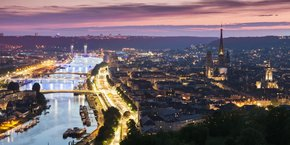 Dans la compétition que se livrent entre elles les métropoles pour attirer talents et investissements, Rouen use du levier fiscal.