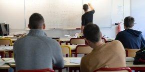 Pour 179 euros par mois en offre de lancement, les élèves peuvent bénéficier du coaching de professeurs 12h/12 et 6j/7