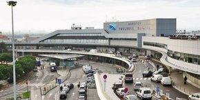 L'aéroport de Toulouse suscite la convoitise de plusieurs groupes français.