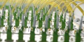 Des câbles, aux boîtes, en passant par les connecteurs, Folan produit tout les composants passifs nécessaires à l'installation de la la fibre optique et compte pour cela sur trois sites : en France, en Roumanie mais aussi en Asie.