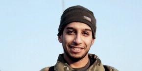 Photo non daté d'un homme décrit comme étant Abdelhamid Abaaoud, publiée dans le magasine Dabiq de l'organisation Daech.