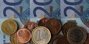 Les banques gagneraient des milliards d'euros de chiffre d'affaires en frais d'incident divers, sur le dos des clients en difficultés financières ponctuelles ou régulières.