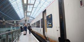 Le nouveau Travelski Express, qui circulera les week-ends de la saison de ski 2021-2022, sera commercialisé sous forme de package agrégeant notamment le transport, le transfert, l'hébergement et les forfaits de ski. Avec à la clé, la desserte de 12 stations des Alpes, sous contrat avec Eurostar.