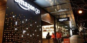 Le supermarché connecté Amazon Go était en phase de test depuis décembre 2016, en étant réservé aux employés d'Amazon à Seattle (Etats-Unis).