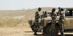 Des soldats de l'armée sénégalaise, lors d'un exercice, le 18 février 2016 près de Thies, à 70 km au sud de la capitale Dakar.