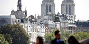 Le géant américain de location entre particuliers va appliquer la limitation des nuitées sur les quatre arrondissements de l'hypercentre parisien.
