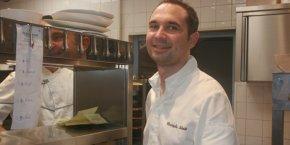 Christophe Schmitt obtient une 1e étoile pour L'Almandin, le restaurant de l'hôtel L'Île de la Lagune, à Saint-Cyprien (66).