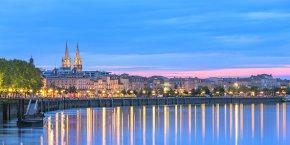 Bordeaux est pénalisée par deux facteurs : la flambée immobilière et le tissu économique qui ne garantit pas de salaires élevés