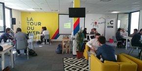 Les startups doivent présenter leurs projets, mais aussi essayer d'obtenir des informations sur ce qui fonctionne ou non chez les autres, indique Julien Petit, militant La Cuisine du Web.