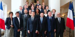 Le gouvernement  présidé par Emmanuel Macron.