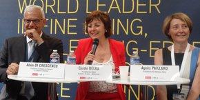 Carole Delga au Salon du Bourget, entourée d'Alain Di Crescenzo (CCI Occitanie) et Agnès Paillard ( Aerospace Valley)