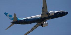 Sur le marché des gros-porteurs, Boeing a en enregistré 56 prises de commandes ou lettres d'intention contre 10 pour Airbus.