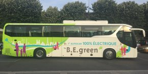 Conçu par le constructeur chinois de bus électriques BYD, ce véhicule de 12 mètres de long peut accueillir 51 voyageurs et dispose de 200 km d'autonomie.