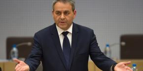 Xavier Bertrand (photo) accuse Laurent Wauquiez de courir après l'extrême droite dans les colonnes du JDD.
