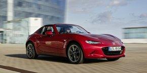 Cette version toit en dur ajoute un design impeccable à une voiture réputée pour sa sportivité.